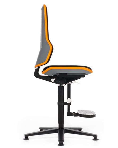 Werkplaatsstoel Bimos Neon 3 synchroontechniek en opstaphulp